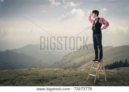 Explorer observing the horizon