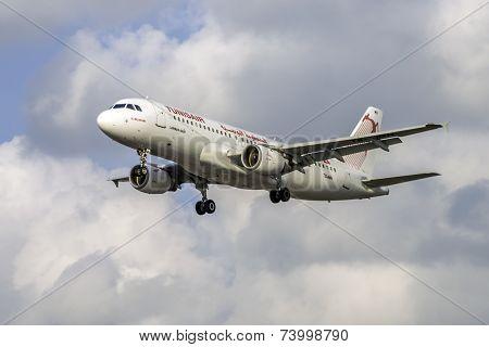 Tunisair Airbus A320-211
