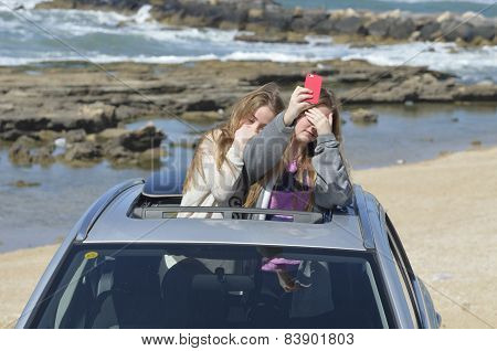 Generation Selfie Shooting