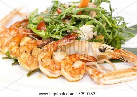 salad of shrimp and crawfish