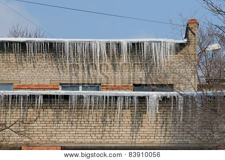 ice icicles on the roof