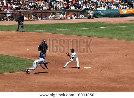 Giants Juan Uribe Stands On 2Nd As He Waits For Ball Thrown From Catcher