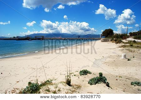 Quiet sandy beach, Puente Mayorga.