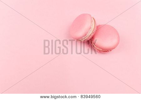 Couple pink macaroons
