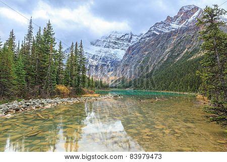 Mount Edith Cavell Lake