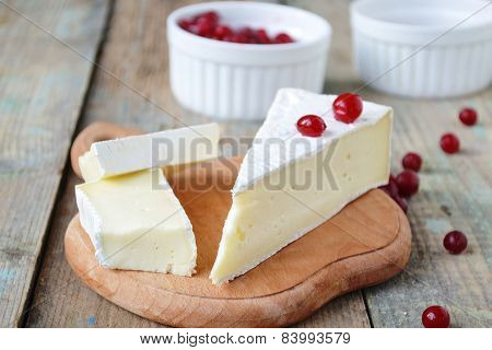 Brie Cheese And Cranberries