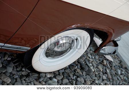 Front wheel of GAZ 21 Volga