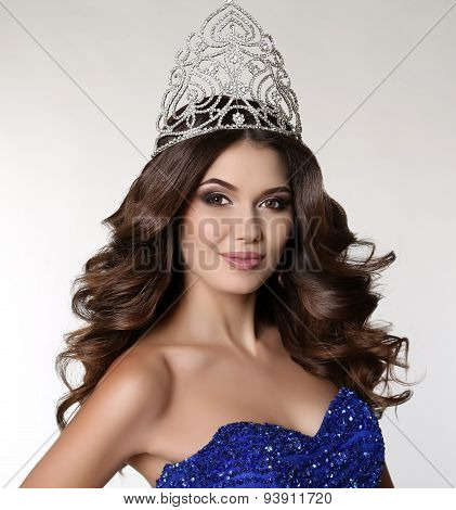 Victress Of Beauty Contest Wearing Luxurious Sequin Dress And Pr