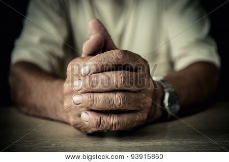 Wrinckled hands of old man
