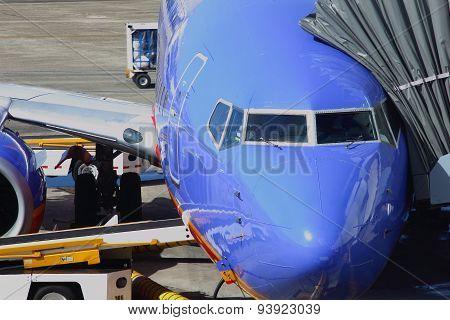 Preparing a 737 Jet Airliner