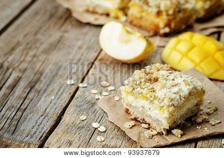 Apple Mango Cream Cheese Oat Bars