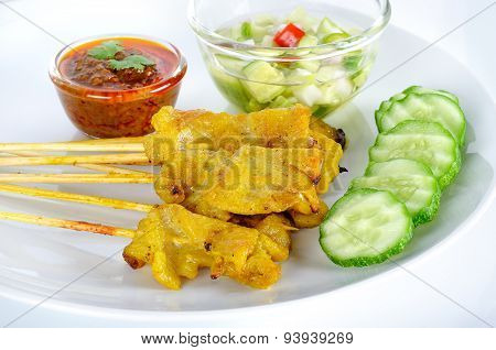Grilled Pork Satay With Peanut Sauce And Vinegar