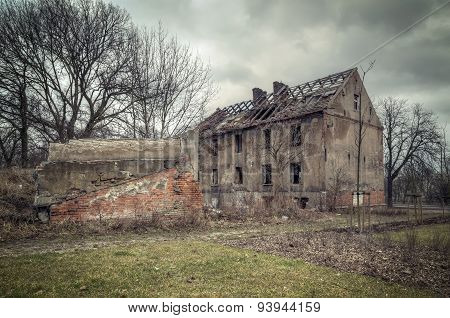 Old ruined building.