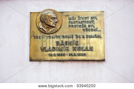 Basnik Vladimir Holan on Kampa plaque.