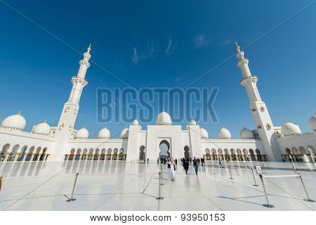 Dubai - JANUARY 9, 2015: Sheikh Zayed mosque on January 9 in UAE, Dubai. Sheikh Zayed mosque is the largest in UAE
