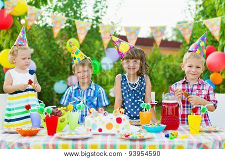 Outdoor Birthday Party For Toddlers