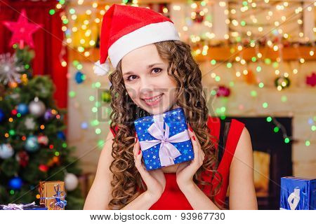 Beautiful Girl Happy New Year Gift