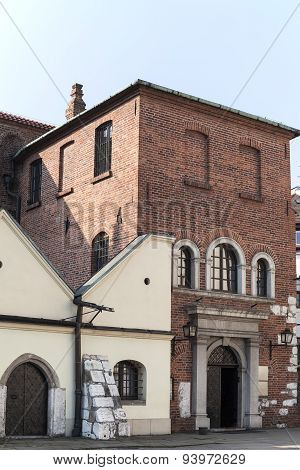 Old Synagogue In Jewish District Of Krakow - Kazimierz , Poland