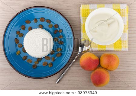 Curd And Raisins In Blue Plate, Sour Cream And Peaches
