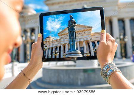 Photographing Maria Teresa monument in Skopje