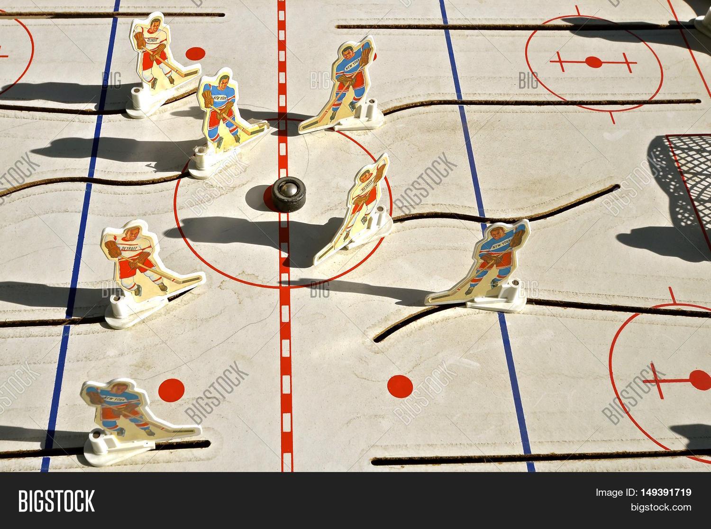 Vintage table hockey - Moorhead Minnesota September 27 2016 The Old Used Vintage 1972 Munro Bobby