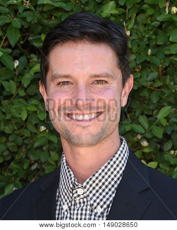 LOS ANGELES - SEP 25:  Jason Behr arrives to The Rape Foundation Annual Brunch on September 25, 2016 in Beverly Hills, CA