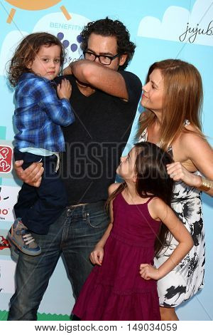 LOS ANGELES - SEP 24: Christie Lynn Smith and family at the 5th Annual Red Carpet Safety Awareness Event at the Sony Picture Studios on September 24, 2016 in Culver City, CA