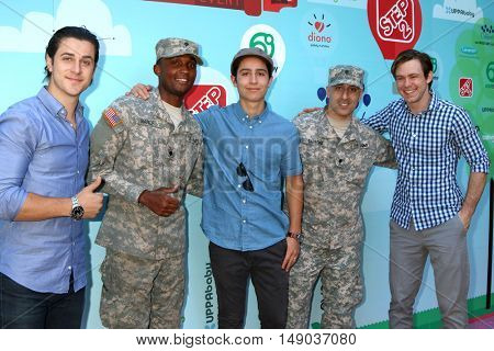 LOS ANGELES - SEP 24: David Henrie, Soldier, Lorenzo James Henrie, Brandon Hall at the 5th Annual Red Carpet Safety Awareness Event at the Sony Picture Studios on September 24, 2016 in Culver City, CA
