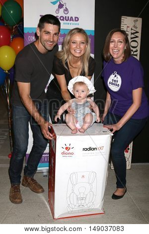 LOS ANGELES - SEP 24:  Juston Gaston, Olvia Gaston, Melissa Ordway, Jennifer Saxton at the Annual Red Carpet Safety Awareness Event at the Sony Picture Studios on September 24, 2016 in Culver City, CA