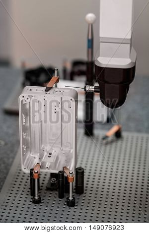Coordinate Measuring Machine, vertical image, color image, selective focus