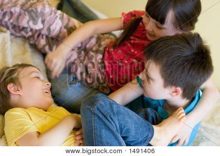 Iplaying Children