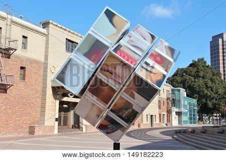 Oomo Cube