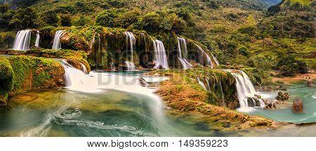 Ban Gioc waterfall in Trung Khanh - Cao Bang