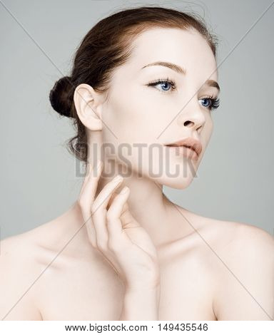 Fashion Beautiful Woman Face. Mascara Applying.eyes Make-up. Beautiful Spa Model Girl With Perfect F