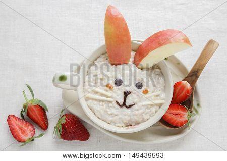 Bunny rabbit porridge breakfast food art for kids