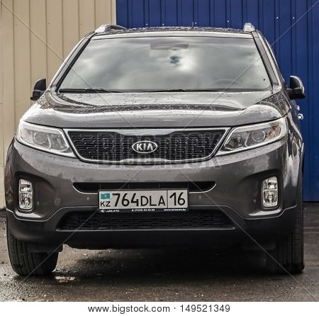 Kazakhstan, Ust-Kamenogorsk, september 30, 2016: Kia Sportage, new car, korean car in the street, suv