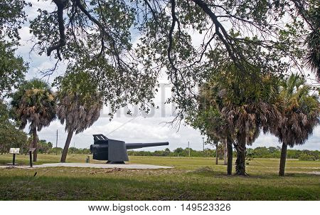 Late nineteenth (19th) century iron cannon, in exhibition. Fort De Soto, Florida