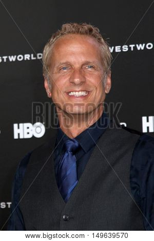 LOS ANGELES - SEP 28:  Patrick Fabian at the HBO's