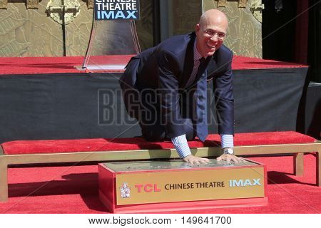 LOS ANGELES - SEP 29:  Jeffrey Katzenberg at the Jeffrey Katzenberg Hand And Footprint Ceremony at the TCL Chinese Theater IMAX on September 29, 2016 in Los Angeles, CA