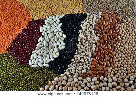 Varied diferent pulses pulses,mixed in the studio table.