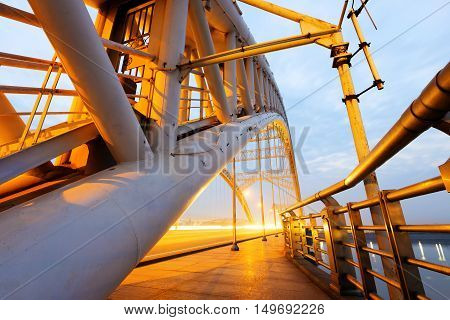 China Nanchang modern building steel bridge night