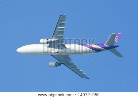 CHIANGMAI, THAILAND - NOVEMBER 29 2009 :  HS-TAP Airbus A300-600 of Thaiairway. Morning Take off from Chiangmai airport to Bangkok Suvarnabhumi.
