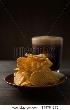 Potato chip, Potato chip on wood table