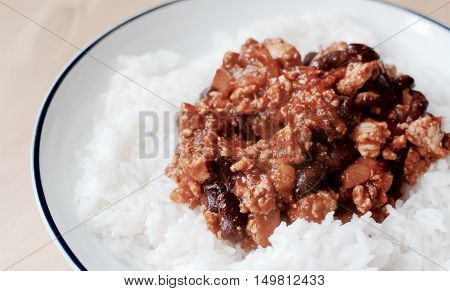 Chilli con carne with fluffy rice - filter applied