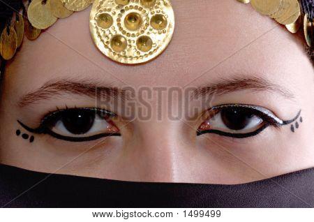Kali Eyes10 2