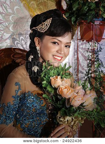 traditional javanese wedding bride