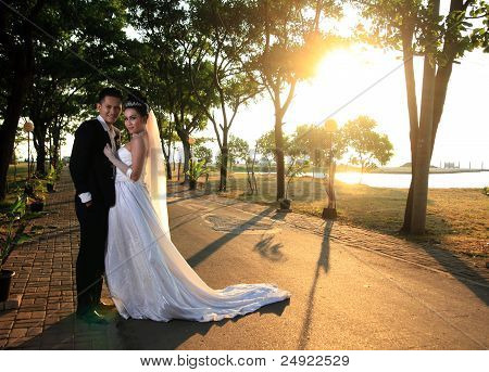 wedding couple outdoor