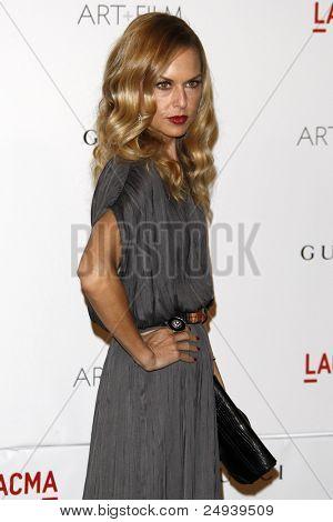 LOS ANGELES - 5 de novembro: Rachel Zoe chega no LACMA arte + filme Gala em LA County Museum of Art