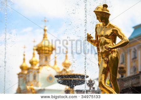 Grand Cascade Fountains at Peterhof Palace, st.Petersburg, Russia