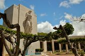 foto of punchbowl  - The National Memorial Cemetary of the Pacifice  - JPG